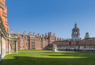 Founder's_Building,_Royal_Holloway,_University_of_London_-_Diliff