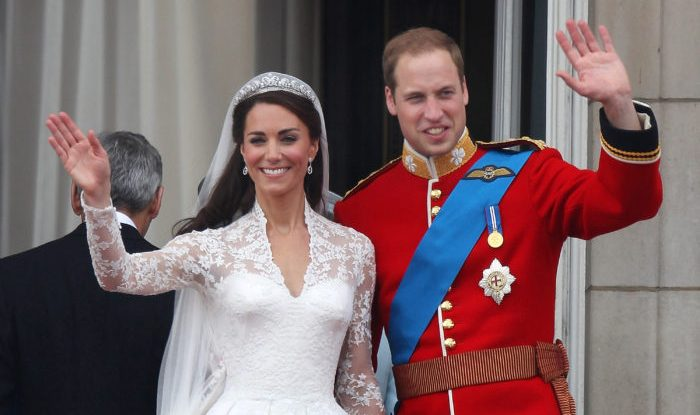 LONDON, ENGLAND - APRIL 29:  Prince William, Duke of Cambridge and Catherine, Duchess of Cambridge greet well-wishers from the balcony at Buckingham Palace on April 29, 2011 in London, England. The marriage of the second in line to the British throne was led by the Archbishop of Canterbury and was attended by 1900 guests, including foreign Royal family members and heads of state. Thousands of well-wishers from around the world have also flocked to London to witness the spectacle and pageantry of the Royal Wedding.  (Photo by Peter Macdiarmid/Getty Images)