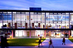 """""""University of Brighton - высшее образование"""""""